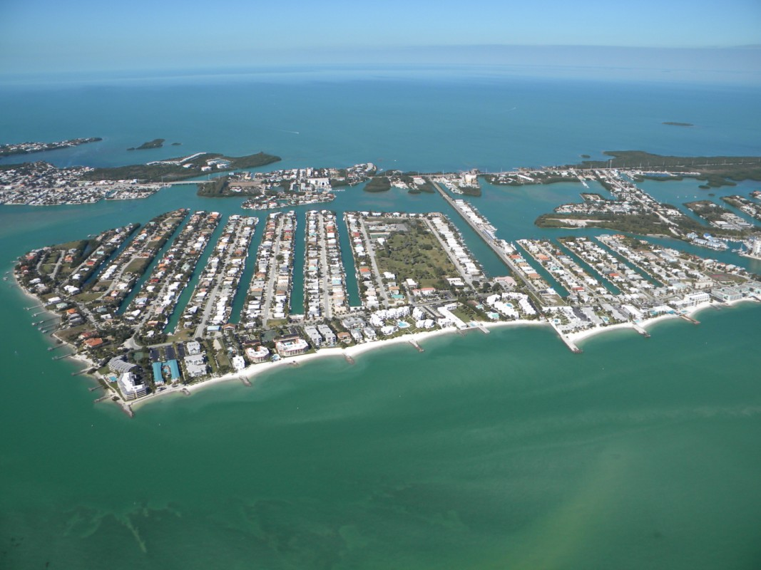 key colony beach personals This neat waterfront retreat is located on 440 4th st at beautiful key colony beach this fantastic community is one of the most unique places in the world.